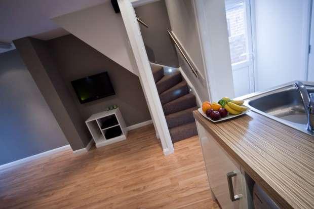 4 Bedrooms Terraced House for rent in Charnock Street, Preston, PR1