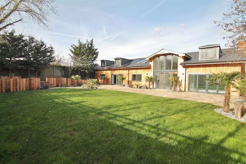 5 Bedrooms Detached House for sale in Red Street, Southfleet, DA13 9QE