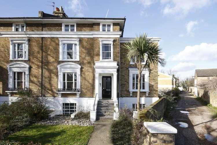 1 Bedroom Flat for sale in Wickham Road Brockley SE4