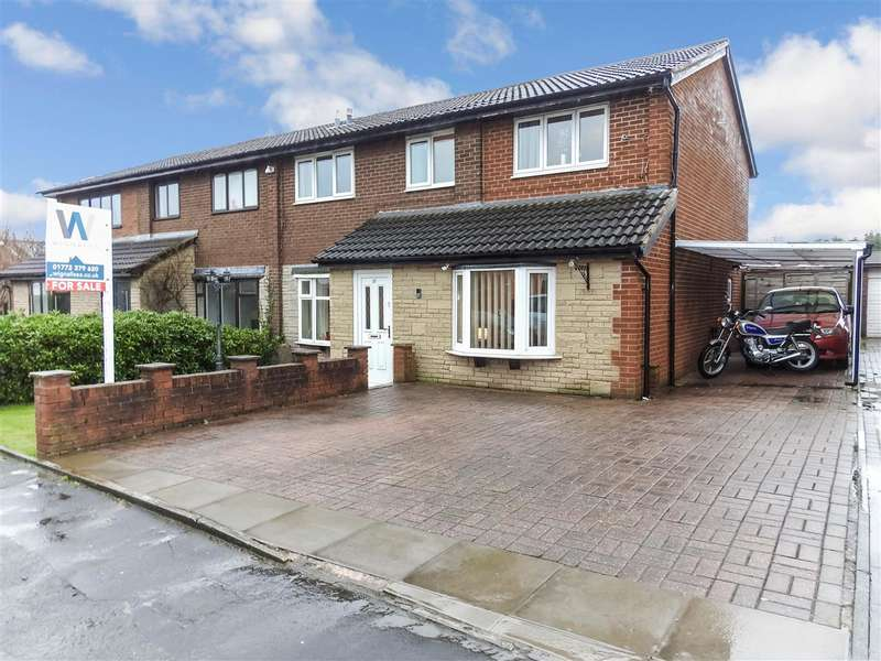 5 Bedrooms Semi Detached House for sale in Harlech Drive, Leyland
