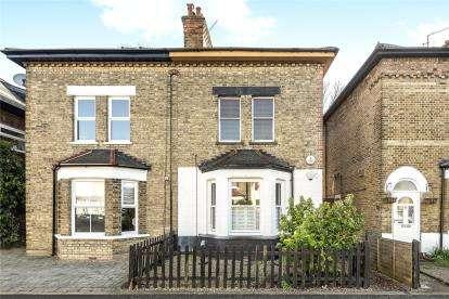 2 Bedrooms Flat for sale in Burnhill Road, Beckenham