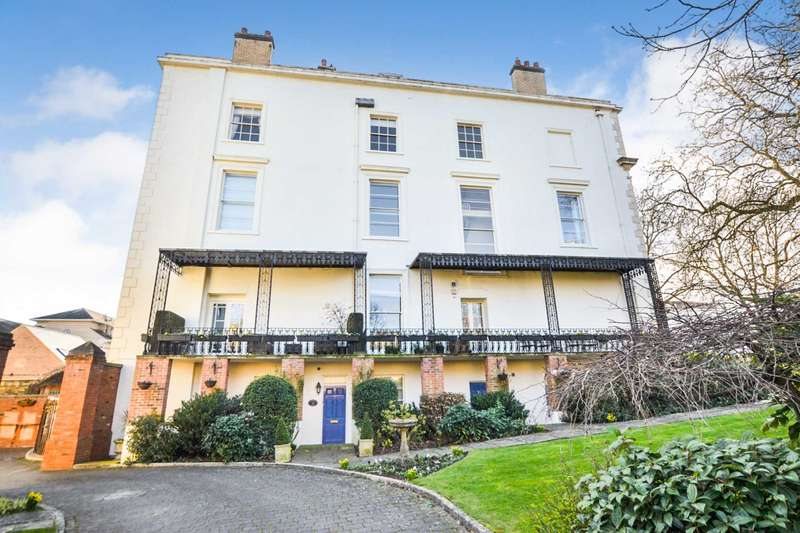 3 Bedrooms Apartment Flat for sale in Royal Parade, Cheltenham