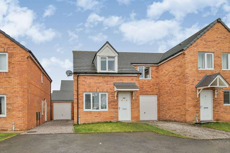 3 Bedrooms Semi Detached House for sale in New Hall Street, Burnley, Lancashire, BB10