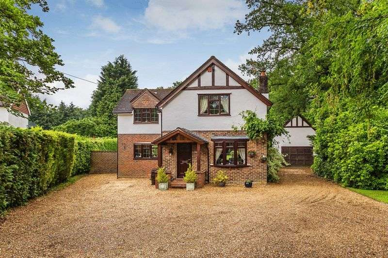 4 Bedrooms Property for sale in Antlands Lane, SHIPLEY BRIDGE