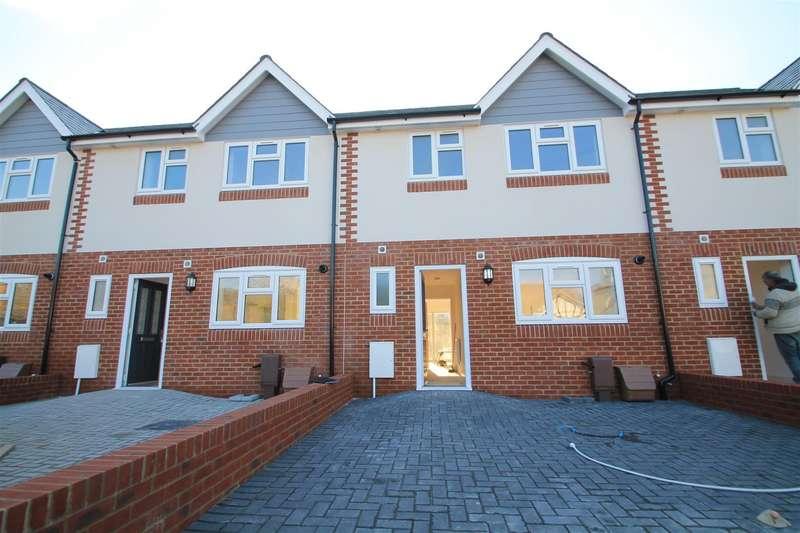 3 Bedrooms Terraced House for rent in Clifton Road, Bognor Regis