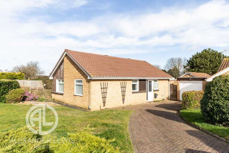 2 Bedrooms Bungalow for sale in Dents Close, Letchworth Garden City, SG6 2TP