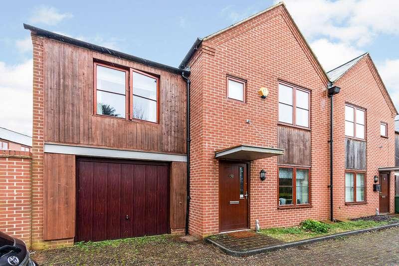 3 Bedrooms Semi Detached House for sale in Watertower Way, Basingstoke, Hampshire, RG24