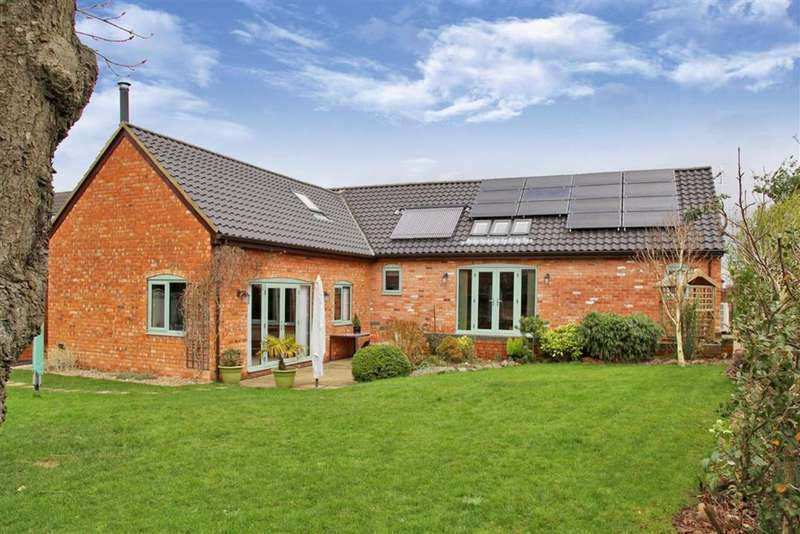 3 Bedrooms Detached House for sale in Cedars Courtyard, High Street, Fleckney