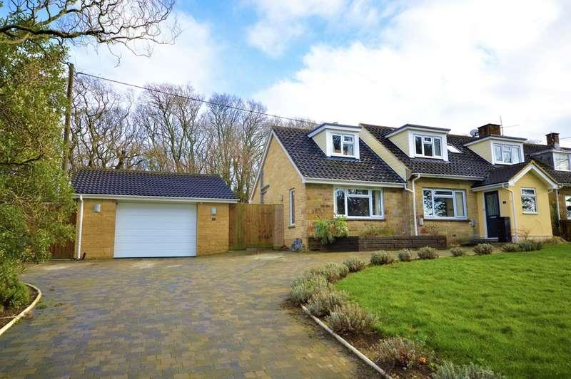 3 Bedrooms Semi Detached House for sale in Queen Bower, Sandown