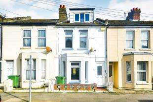 3 Bedrooms Terraced House for sale in Albion Road, Folkestone, Kent