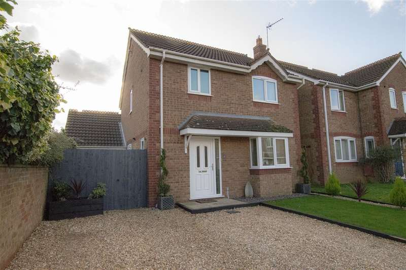 3 Bedrooms Detached House for sale in Covel Road, Sleaford