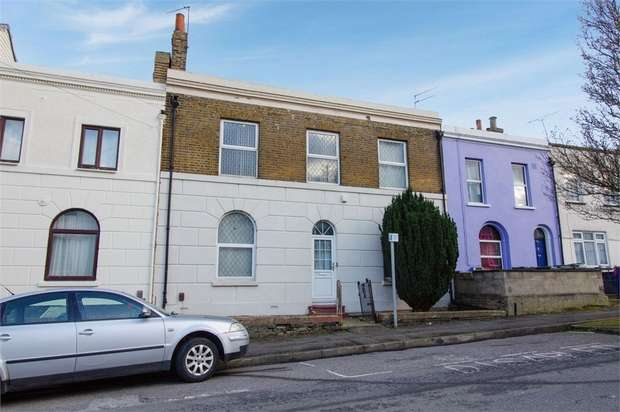 3 Bedrooms Terraced House for sale in Wellington Street, Gravesend, Kent