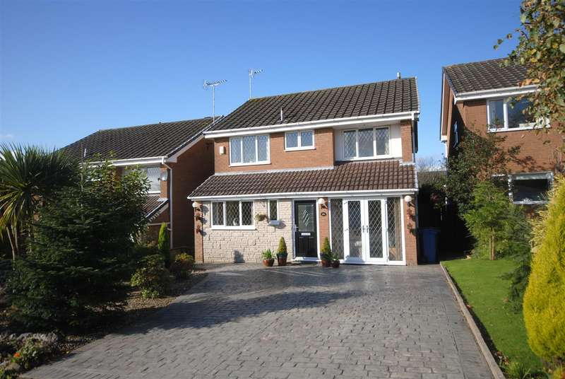 4 Bedrooms Detached House for sale in Penbury Road, Whitley, Wigan