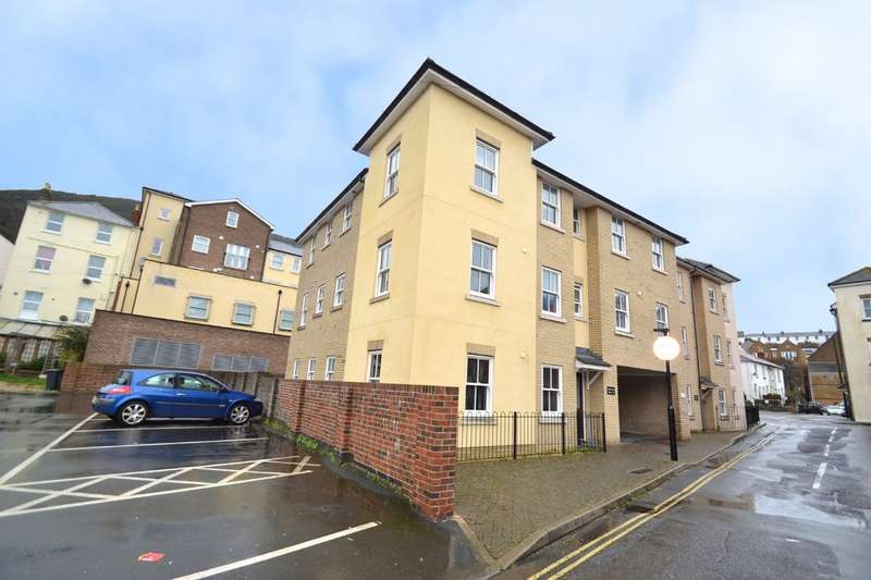 2 Bedrooms Flat for sale in Clarendon Court, Pound Lane