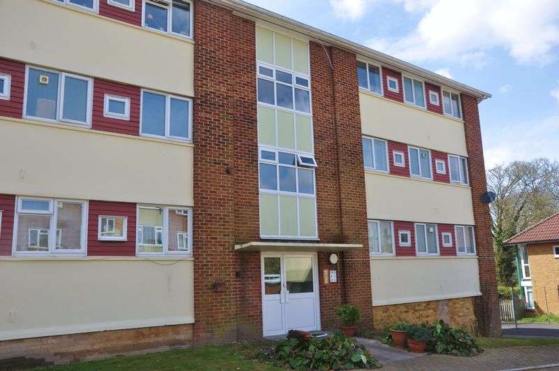 2 Bedrooms Property for sale in Shepherds Row, Andover