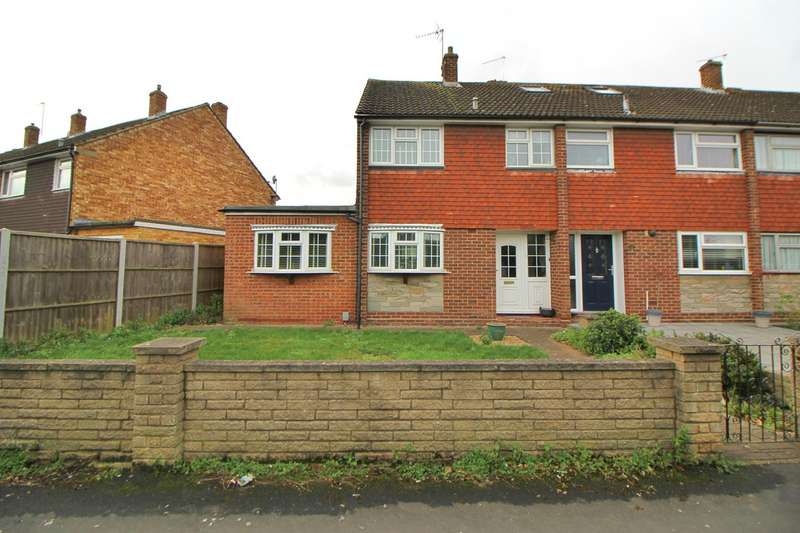 3 Bedrooms House for sale in Rowlands Close, Cheshunt, Waltham Cross