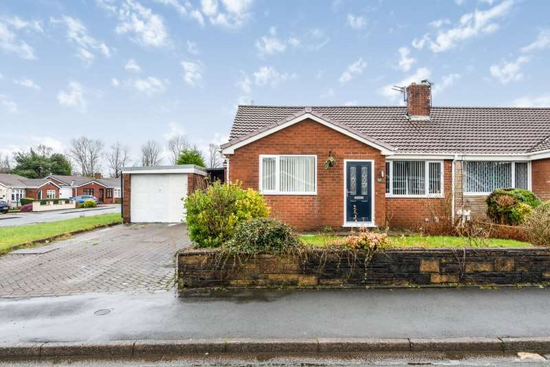 2 Bedrooms Bungalow for sale in Ashwood Avenue, Manchester, Greater Manchester, M28