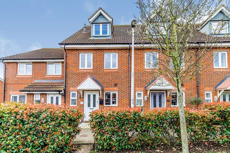 3 Bedrooms House for sale in Rivenhall Way, Hoo, Rochester, Kent, ME3