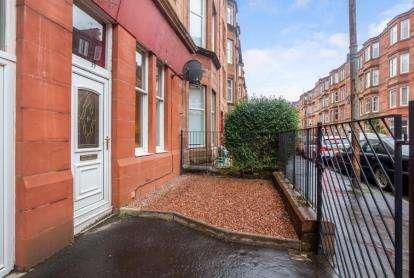 1 Bedroom Flat for sale in Dundrennan Road, Glasgow, Lanarkshire