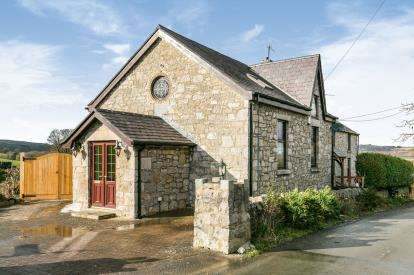 3 Bedrooms Semi Detached House for sale in Betws Yn Rhos, Abergele, Conwy, North Wales, LL22