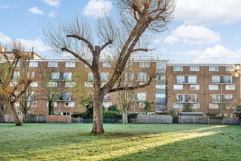 3 Bedrooms Flat for sale in Ramsfort House, Bermondsey