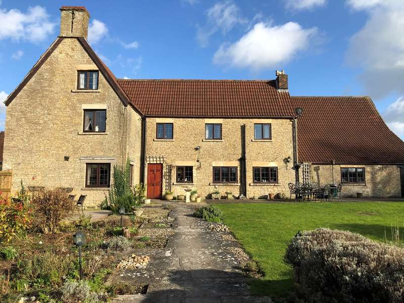 5 Bedrooms Detached House for sale in Rodden, Frome