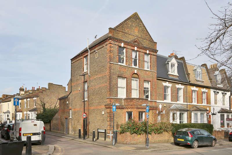 1 Bedroom Flat for sale in St. Michael'S Terrace, Alexandra Park, London