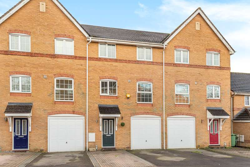 4 Bedrooms Terraced House for sale in Ferndown Close, Beggarwood, Basingstoke, RG22