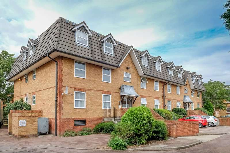 1 Bedroom Property for sale in Millstream Close Palmers Green London