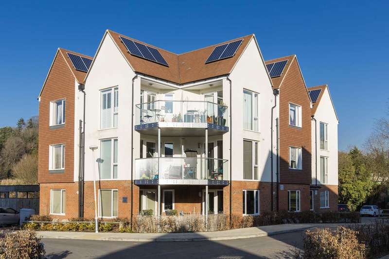 2 Bedrooms Apartment Flat for sale in Spring Walk, Tunbridge Wells