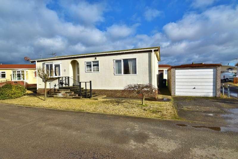 2 Bedrooms Park Home Mobile Home for sale in Mallard Way, Skegness, PE25
