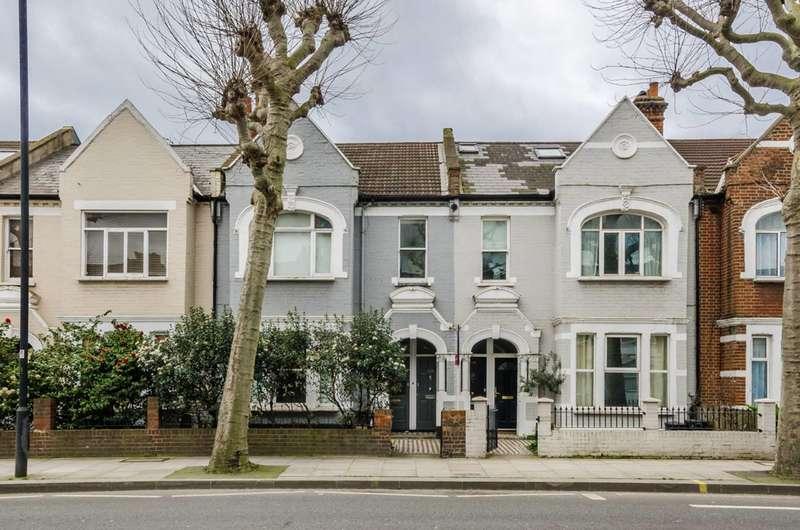 3 Bedrooms Maisonette Flat for sale in Wandsworth Bridge Road, Fulham Broadway, SW6