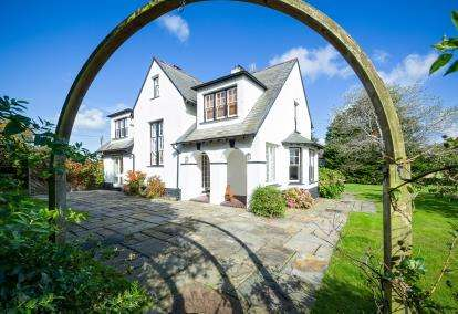 5 Bedrooms Detached House for sale in Golf Road, Abersoch, Gwynedd, LL53