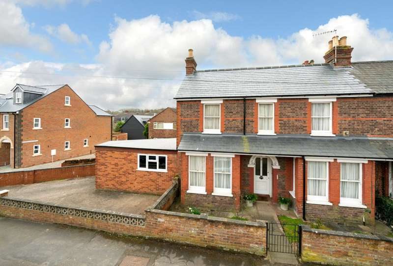 3 Bedrooms Semi Detached House for sale in GARAGE & OFF ROAD PARKING, Popular Boxmoor Location, 3 DOUBLE BEDROOMS