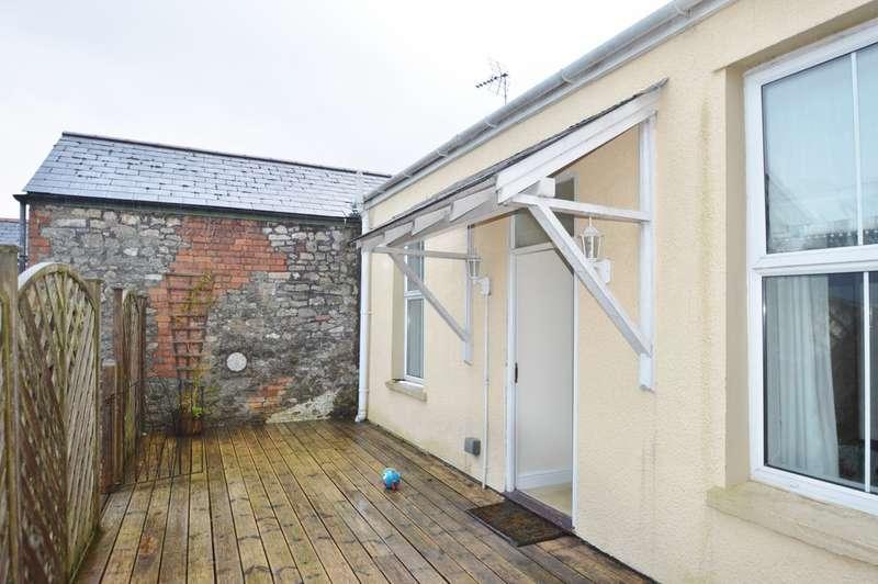 3 Bedrooms Flat for rent in High Street, Cowbridge