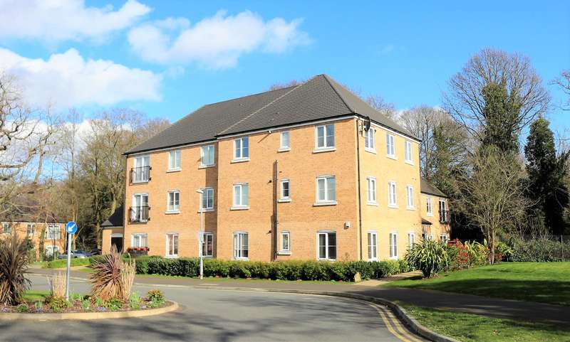 2 Bedrooms Flat for sale in Waratah Drive, Chislehurst, BR7 5FS