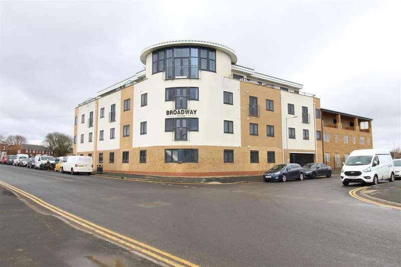 2 Bedrooms Apartment Flat for sale in Broadway, Hornsea