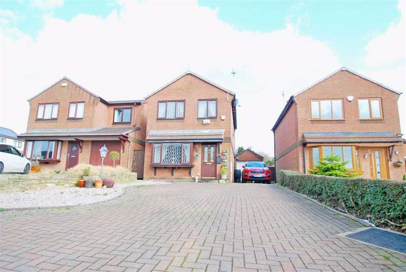 3 Bedrooms Detached House for sale in Halsall Close, Limefield, Bury