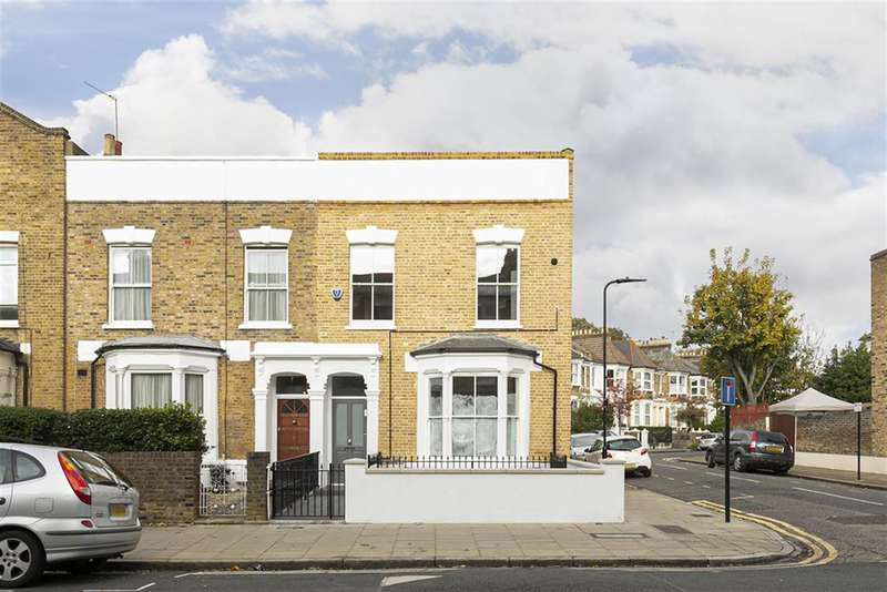 2 Bedrooms Flat for sale in Brooke Road, London, E5