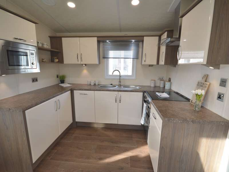 2 Bedrooms Lodge Character Property for sale in Marlie, New Romney