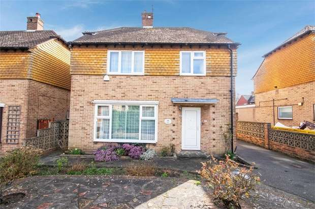 3 Bedrooms Detached House for sale in Gravel Road, Bromley, Kent
