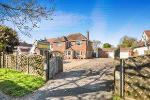 5 Bedrooms Detached House for sale in Littlestone Road, Littlestone, New Romney, Kent