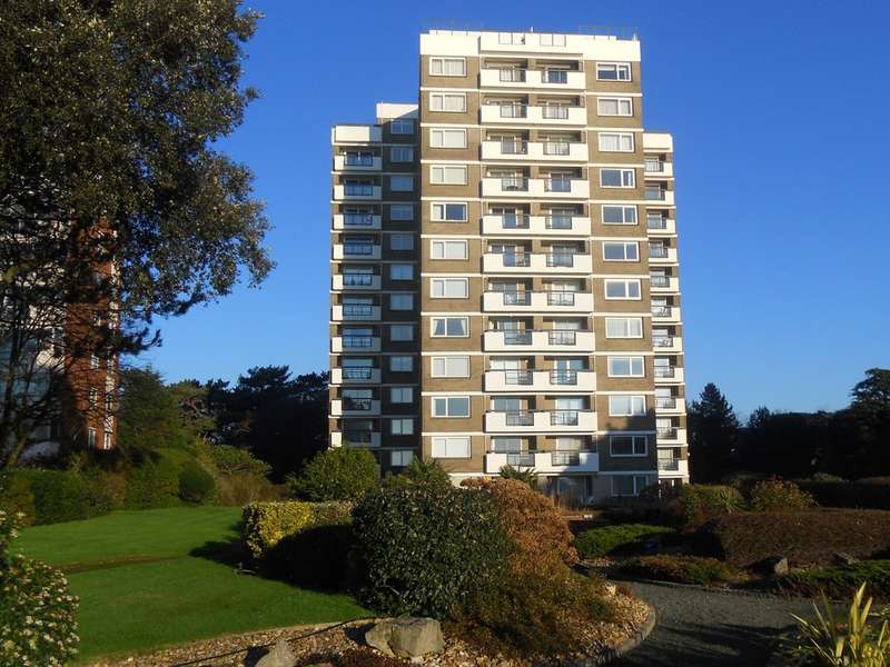 3 Bedrooms Flat for sale in Sea View Apartment, Solent Pines, Manor Road, East Cliff, Bournemouth, BH1