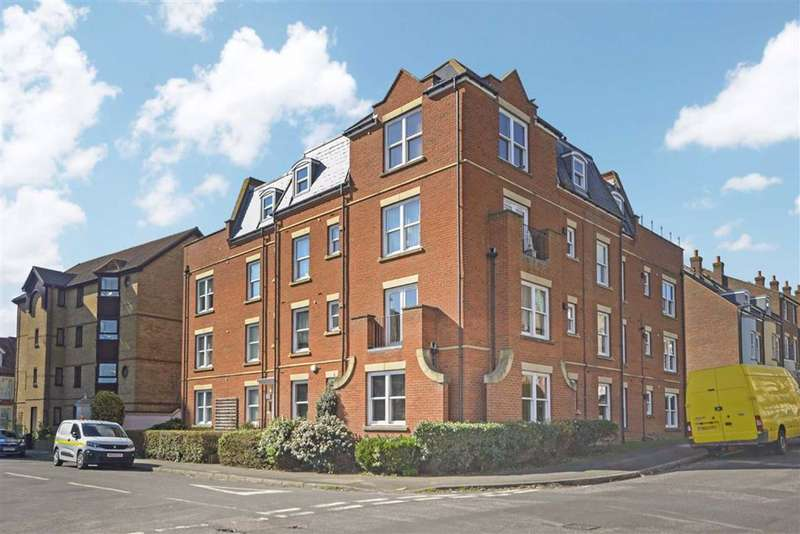 2 Bedrooms Flat for sale in Truro Road, Ramsgate, Kent