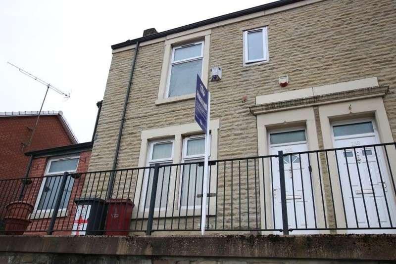 3 Bedrooms Property for sale in Accrington Road, Blackburn, Lancashire, BB1 2AH