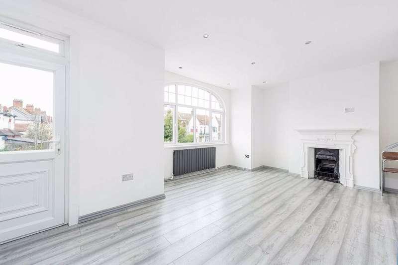2 Bedrooms Flat for sale in Mitcham Lane, Furzedown, London