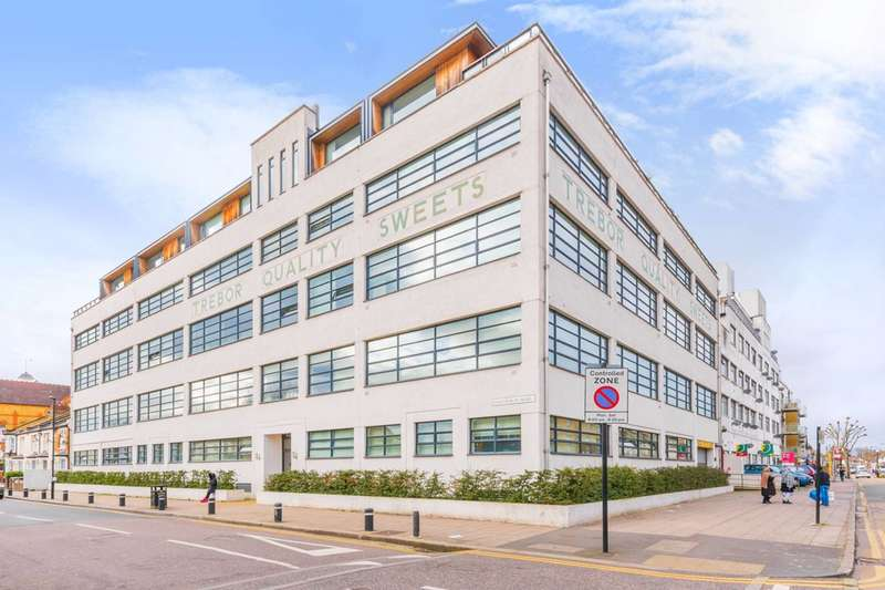 1 Bedroom Flat for sale in Shaftsbury Road, Upton Park, E7