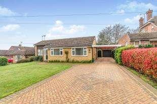 3 Bedrooms Bungalow for sale in Grove Green Lane, Weavering, Maidstone, Kent