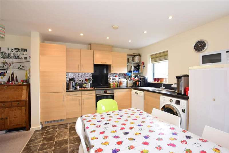 3 Bedrooms Semi Detached House for sale in Aster Drive, , Chatham, Medway