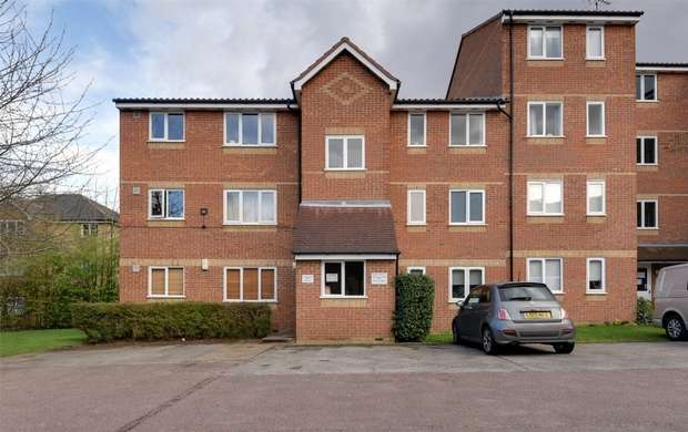 1 Bedroom Flat for sale in Blackdown Close, East Finchley, N2